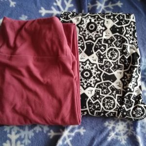 2 lularoe leggings